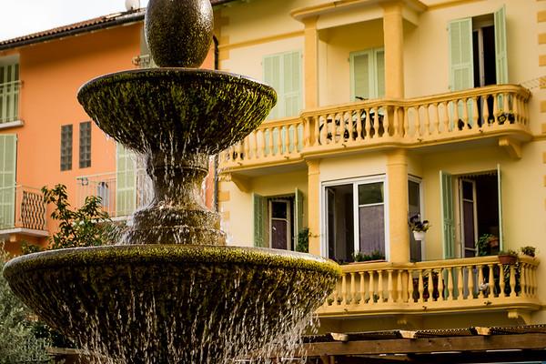 Fontaine au balcon.
