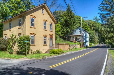Corner of School House Lane and Creek Locks Road, Rosendale, New York, USA