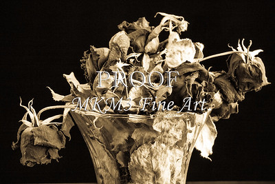 Dead Rose Flower Arrangement Faded Love 6011.01