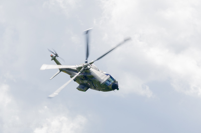 EH-101 turning