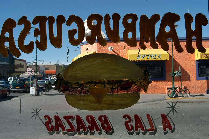 Hamburgers in a Mexican Paradise 1 - Advertising