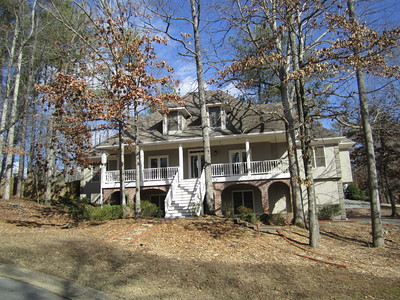 Home In Carriage Lakes Roswell GA