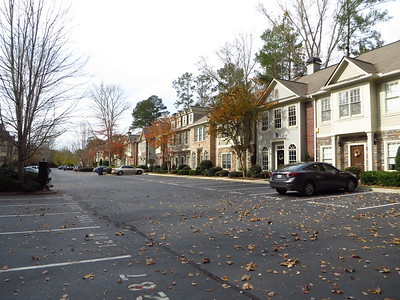 Harris Commons Townhome Roswell Neighborhood (15)