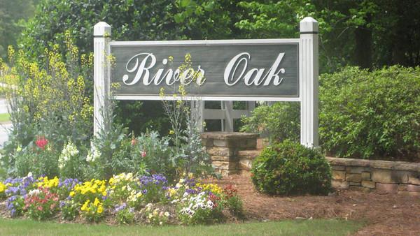 River Oak Roswell GA Neighborhood (5)
