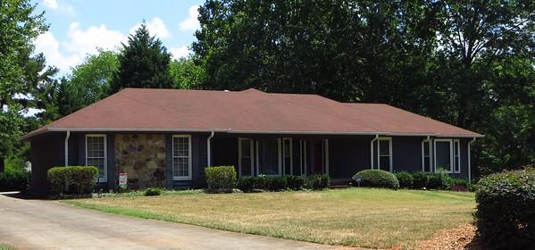 Saddle Creek Roswell GA Community (16)
