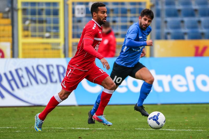 Derrick Miles (Rot-Weiß Koblenz), Christoph Anton (Eintracht Trier); Rot-Weiß Koblenz - Eintracht Trier (1:1) in Stadion Oberwerth, Koblenz; 25.11.18, Photo: Jan von Uxkull-Gyllenband