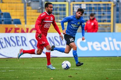 Christoph Anton (Eintracht Trier), Derrick Miles (Rot-Weiß Koblenz) ; Rot-Weiß Koblenz - Eintracht Trier (1:1) in Stadion Oberwerth, Koblenz; 25.11.18, Photo: Jan von Uxkull-Gyllenband