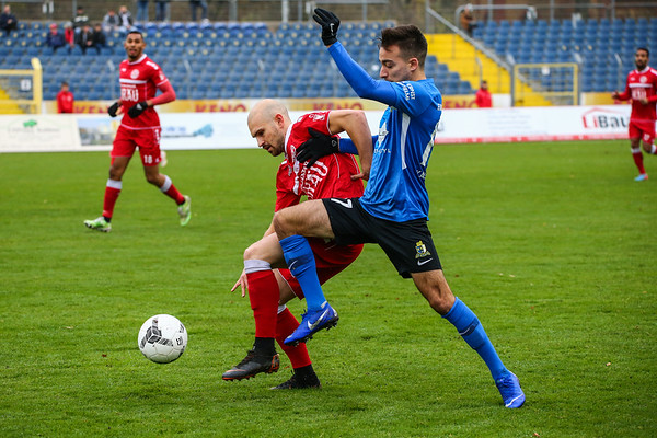 Giuliano Masala (Rot-Weiß Koblenz), Jan Brandscheid (Eintracht Trier); Rot-Weiß Koblenz - Eintracht Trier (1:1) in Stadion Oberwerth, Koblenz; 25.11.18, Photo: Jan von Uxkull-Gyllenband