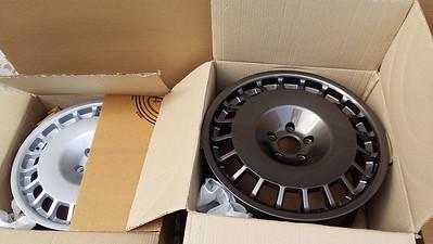 Rota D154 18x8.5 Gunmetallic & Silver