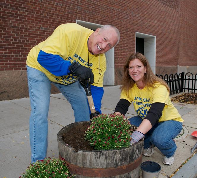 Rotary Fall Barrel Planting - Morristown, NJ