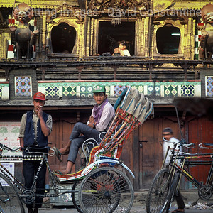 Rickshaw Onlookers – Kathmandu, Nepal. March 1991