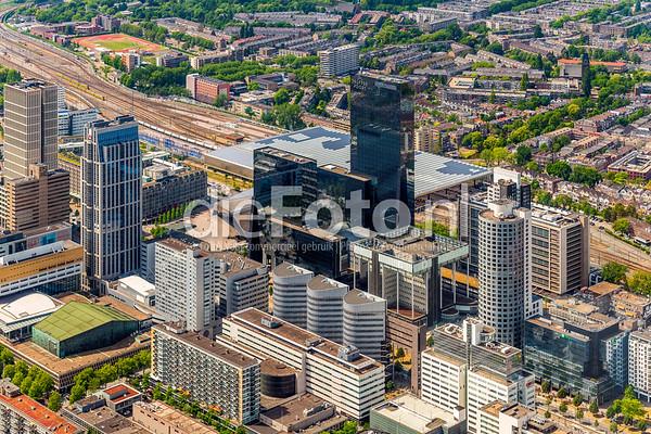Rotterdam Centrum met Delftse Poort in het midden
