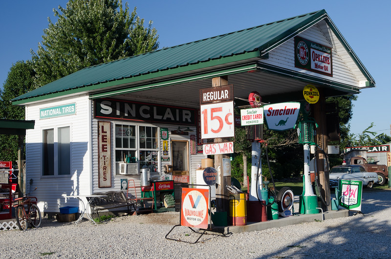 Another Route 66 shrine in Halltown.