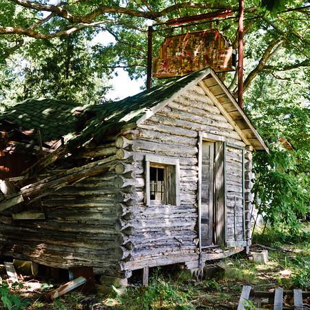 John's Modern Cabins,