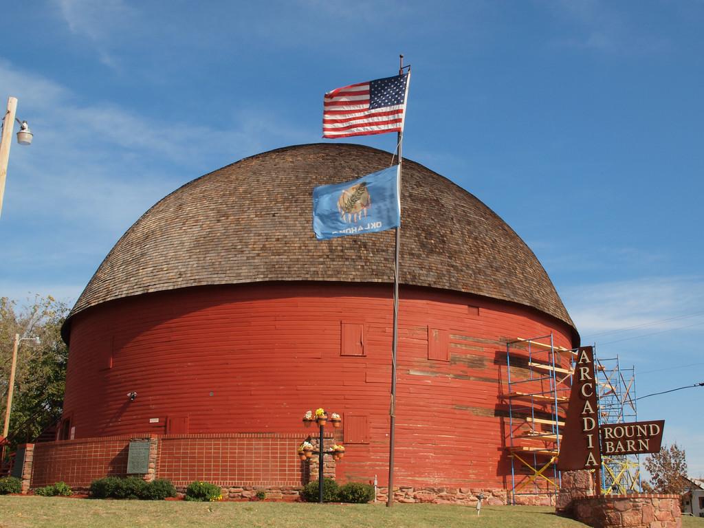 Round Barn on Old US-66<br /> Arcadia, Oklahoma