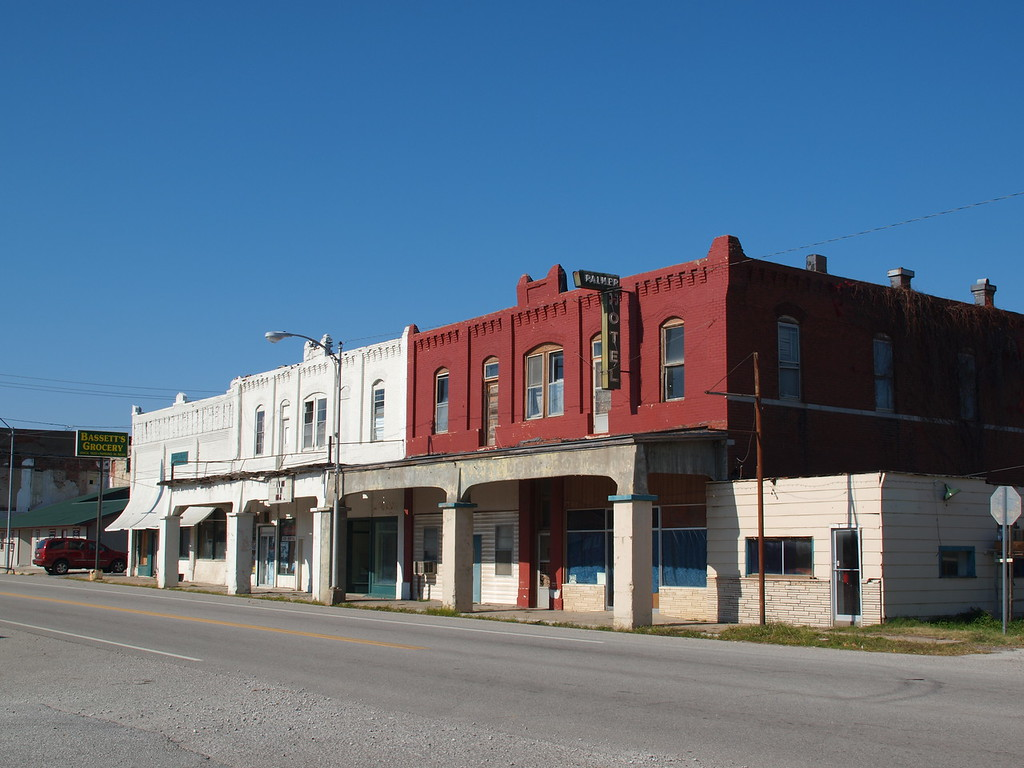 Palmer Hotel on Old US-66 in Afton, Oklahoma