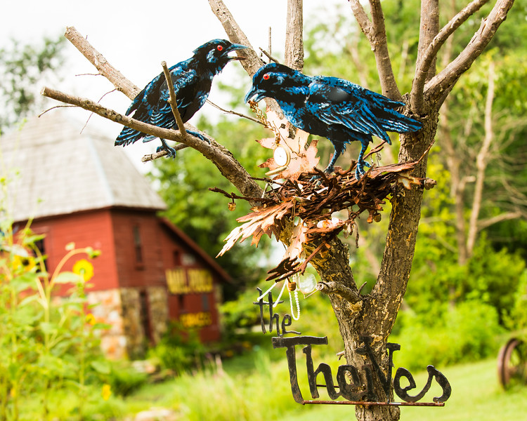 """""""The Theives""""  sculpture by Lowell Davis at Red Oak II"""