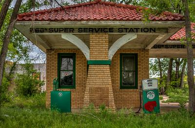 '66 Super Service Station