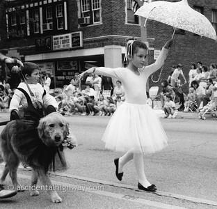 Pet Parade Le Grange, Illinois  © karen e. titus | all rights reserved