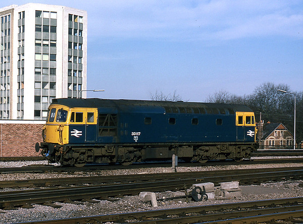 33117 at Reading after arrval with an inter-regional working from the south coast. Taken in March, 1978,