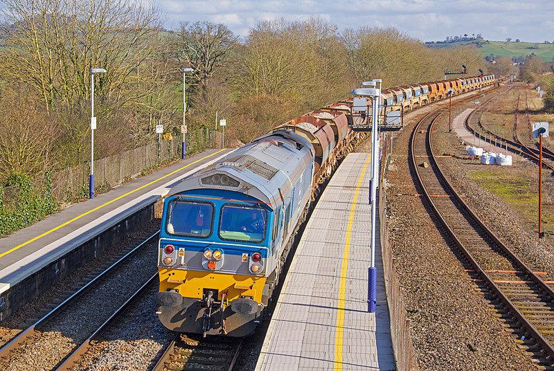 Castle Cary was a busy place on 17 February 2013 with a number of engineering workings in addition to the 'Turbo' gauging run and scheduled passenger services.  59002 is seen heading west with  6W41, a ballast working from Westbury to Blatchbridge Jn via Fairwater Yard.