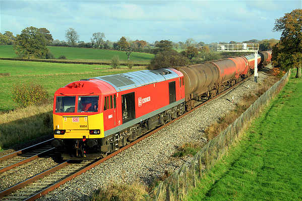 Another shot of 60054,on 6B33.  Note the absence of the loco's former 'Charles Babbage' nameplates - shame!  12/11/11.