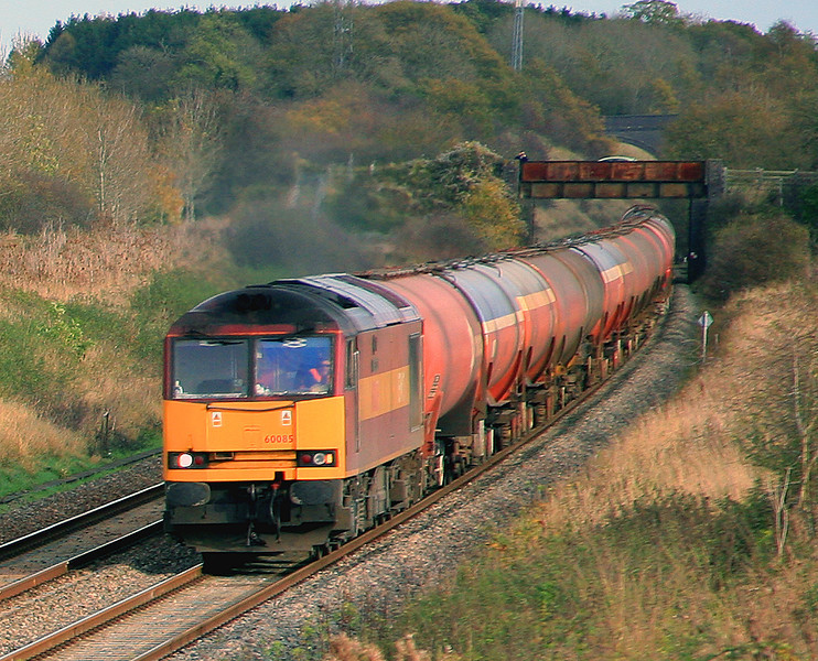 60085 at Farleaze with 6B33, Theale to Margam empty tanks, on 7 November, 2009.  I reached this spot by walking along the edge of the field from the Fosseway Bridge.