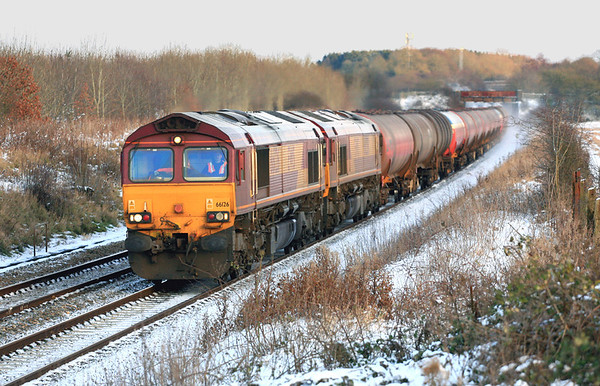 66126 and 66238 at a freezing cold Farleaze with 6B33, the Theale to Margam empties. 09/01/10.