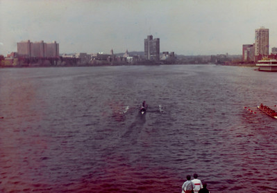 MIT/Harvard/Dartmouth race in 1981.  MIT frosh 150 in the lead.