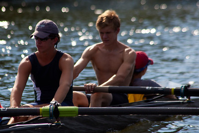 Both Campbell and Will are doing a nice job of relaxing the inside elbow on the recovery and having the line of the shoulders parallel to the oar handle.