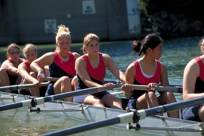 Girls eight launches in Cincinnati for a head race.