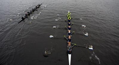 3V8 comes through Harvard Bridge at the 1000 meter mark halfa length behing Radcliffe