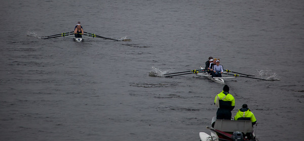 Coming out of the bridge, the 2V4 still with a substantial lead.