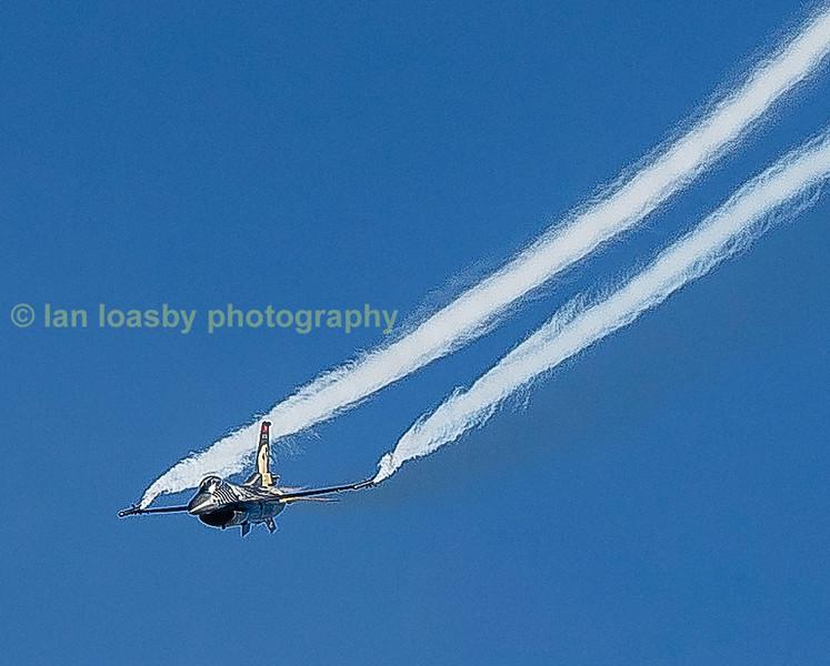 F 16 'Solo Turk' demo