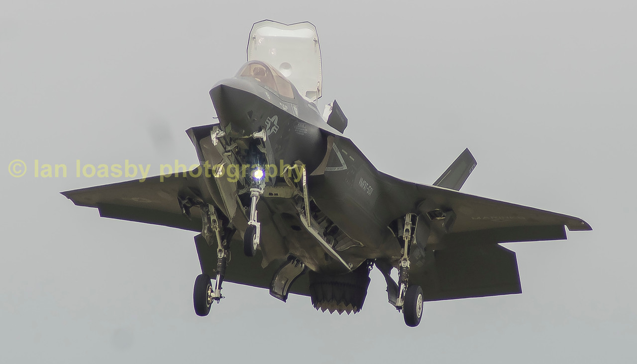 The Lightning demonstrated its stability in the hover