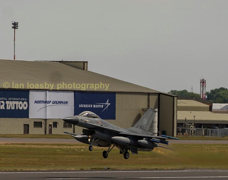 Dutch Airforce F-16AM J-362 of 322 Sqn departs RIAT 2017