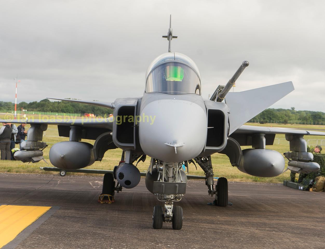 Saab Gripen JAS 39D      39827 / 827