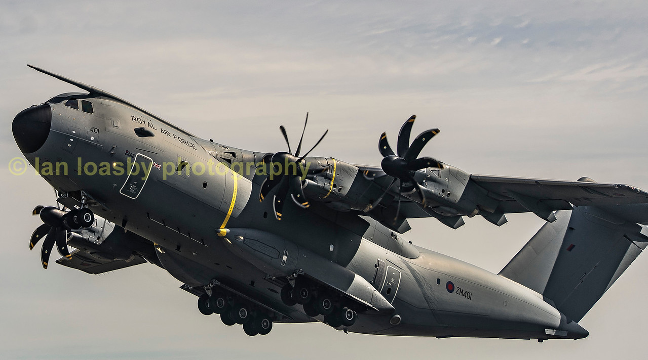 Atlas ZM401 departs from RIAT back to 70sqn.