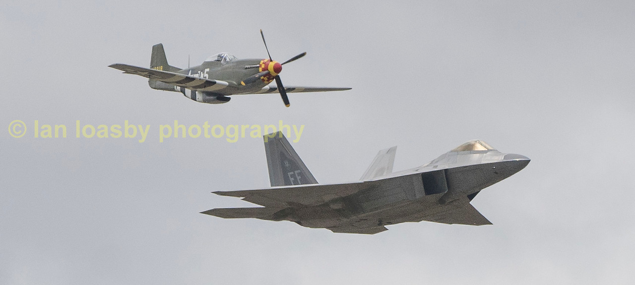 Lockhead Martin F22 A Raptor 09-4180 / FF from the 1st Fighter Wing flies with North American P-51 413318 / C5-N Mustang  from the Camanche Fighters (N357FG)