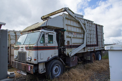 Royal Refuse 1977 Peterbilt 300 Amrep Front Loader