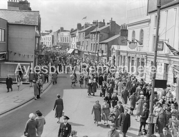 Queen at Aylesbury, High Street, Apr 6th 1962