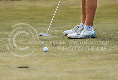 A K-State Men's Golf player practices putting at Colbert Hills Golf Course on Mar. 9, 2017. (John Benfer   Royal Purple)