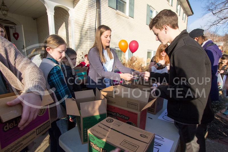 Kappa Delta Sorority members, Girl Scouts and mothers of the Girl Scouts help out during the cookie sale at Kappa Delta Sorority on Feb. 13, 2017 Sabrina Cline |
