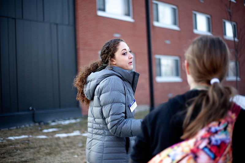 Grace Scoot, sophomore in Social Work, talks to perspective student about drom poilicies at K-State. <br /> (Alanud Alanazi   Collegian Media Group)