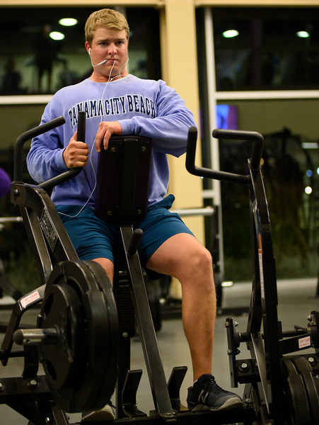 KSU Sr, Derek Ecklund, studying Wildlife and Outdoor Enterprise Management, works out his biceps at the K-State, Chester E. Peters Recreation Complex. Oct 23, 2019. (Dylan Connell | Collegian Media Group)