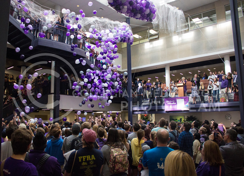 A few of the 2,017 balloons were released to celebrate the renovation of the Kansas State Student Union on October 13th, 2017. (Kelly Pham | The Collegian)