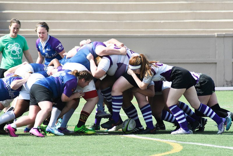 the rugby team is trying to get the ball back, in the Memorial Stadium on Saturday March 10, 2018. <br /> Photo by hasan albasri
