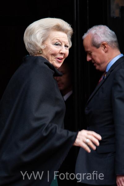 Prinses Beatrix bij uitreiking Prins Claus Prijs