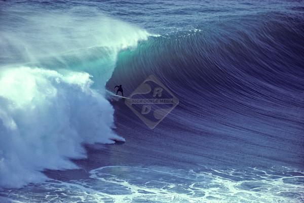 Surfing California - Blacks Beach