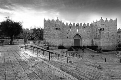 Steps leading down to Damascus Gate